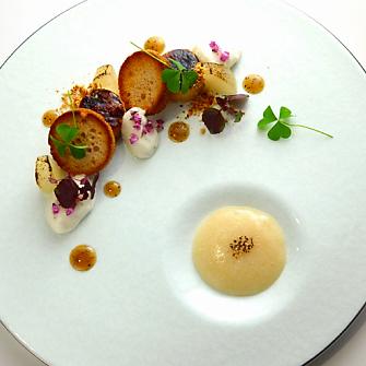 Rougi foie gras marine au miso blanc nashi en compote - Decoration assiette de foie gras photo ...